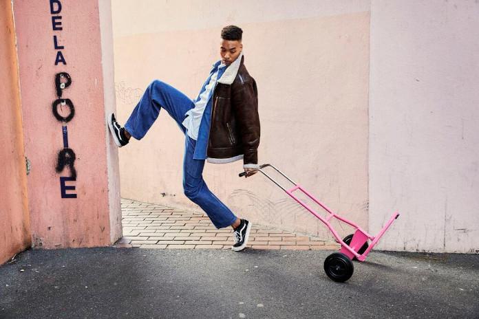 Różowy wózek różowe ściany inspiracje