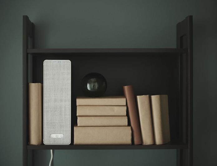 Głośnik półka książki wnętrze ikea