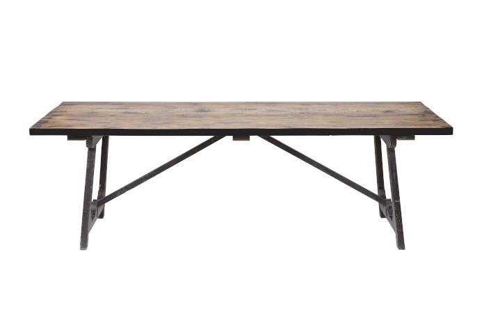 Nowoczesna klasyka we wnętrzu stół drewniany czarny stal craftowy