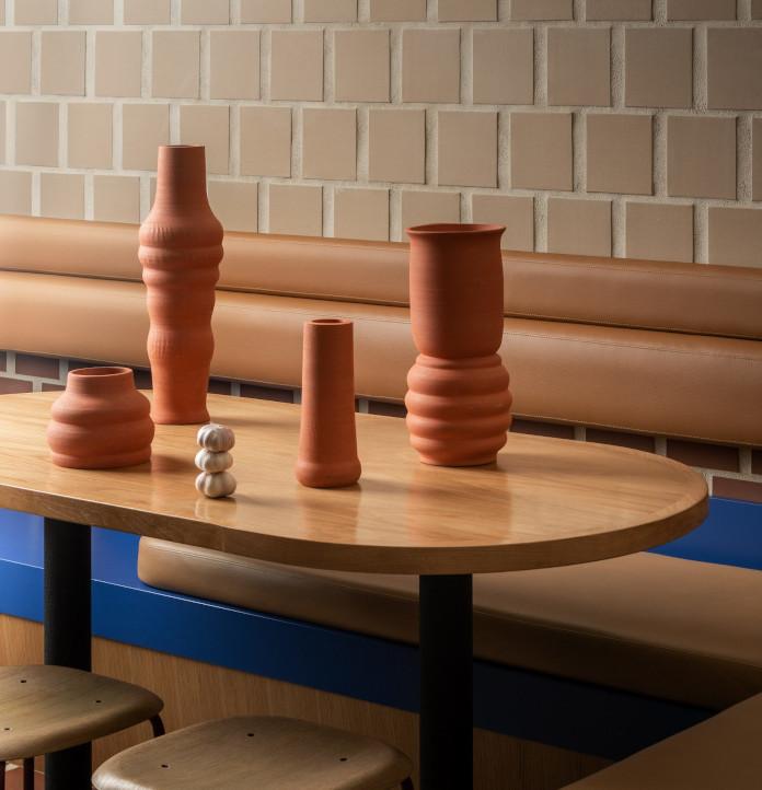 krzeło stół ceramika terakota inspiracje