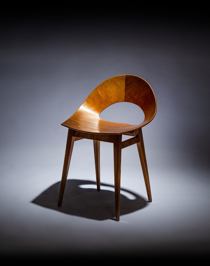 Kruszewska krzesło muszelka prl drewno wystawa sztuki