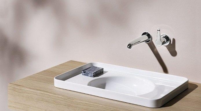 Jak oszczędzać wodę inteligentna bateria val laufen umywalna inspiracje łazienka
