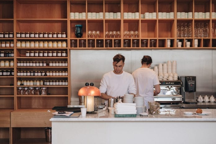 Charlotte Bouillon nowa restauracja wnętrze francuskie drewno inspiracje