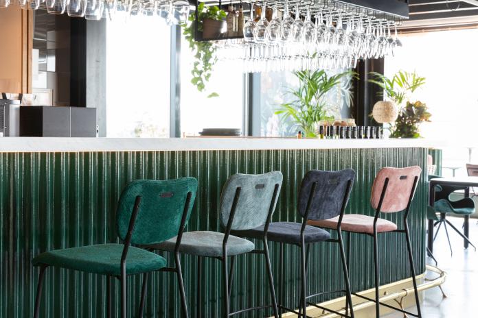 hoker stołek barowy zielony inspiracje bar