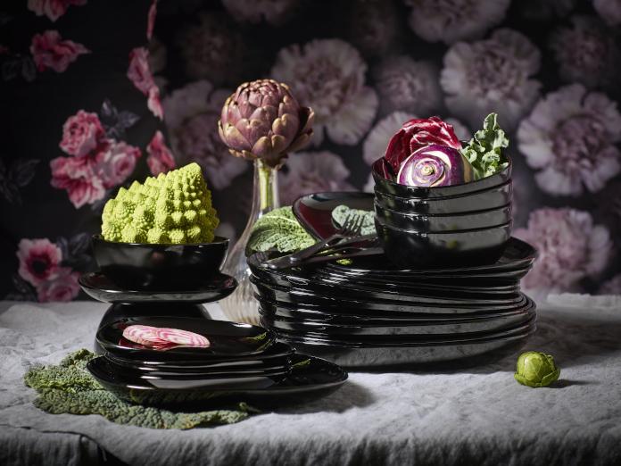 talerze ikea czarne inspiracje aranżacje stołu