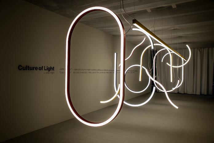 instalacja-świetlna-inspiracje-wnętrza-warsaw-home-design-2019