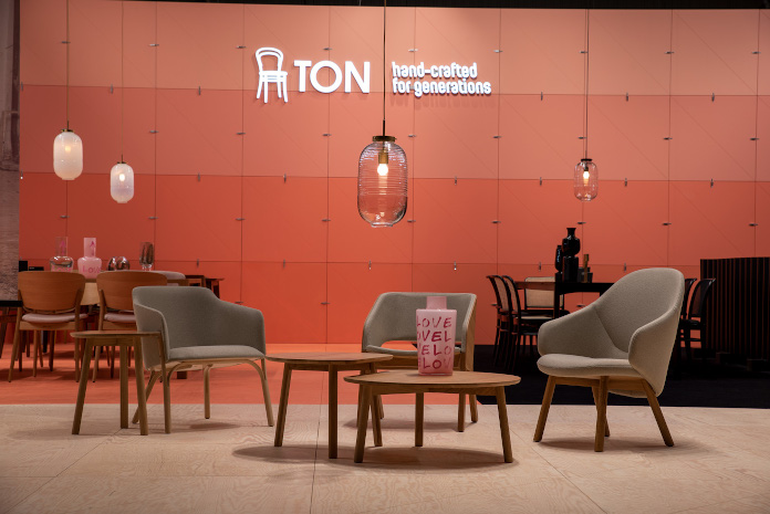 terakota Warsaw home 2019 inspiracje krzesła stolik