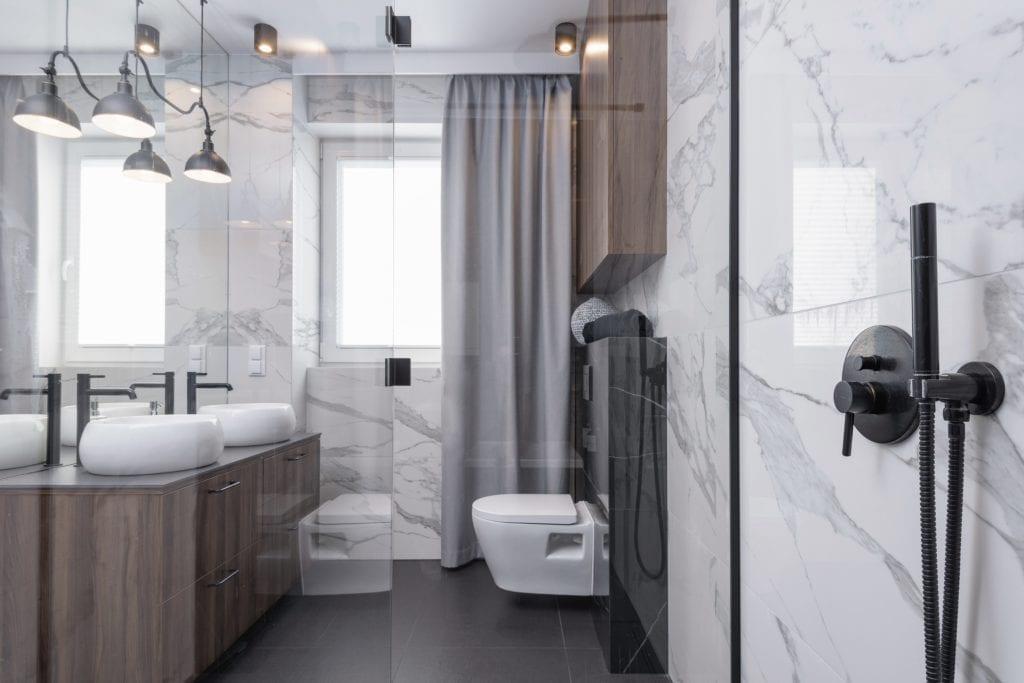 wnętrze-łazienki-marmur-inspiracje