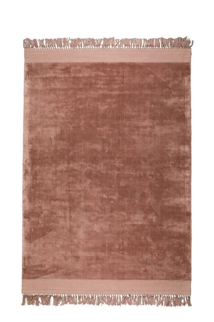 dywan-różowy-coral-pink-pantone-2020-zuiver