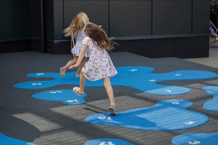 plac-zabaw-w-warszawie-dizajn-dla-dzieci-galeria-młociny-izabela-bołoz-totutam-klasy