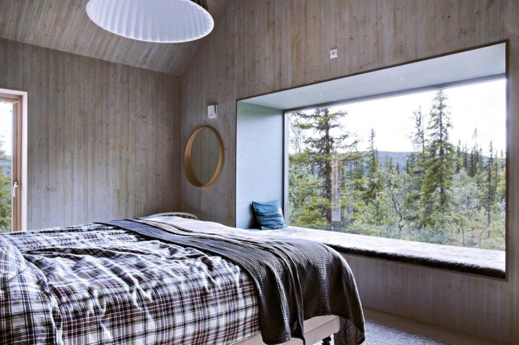 sypialnia-panoramiczne okno-inspiracje