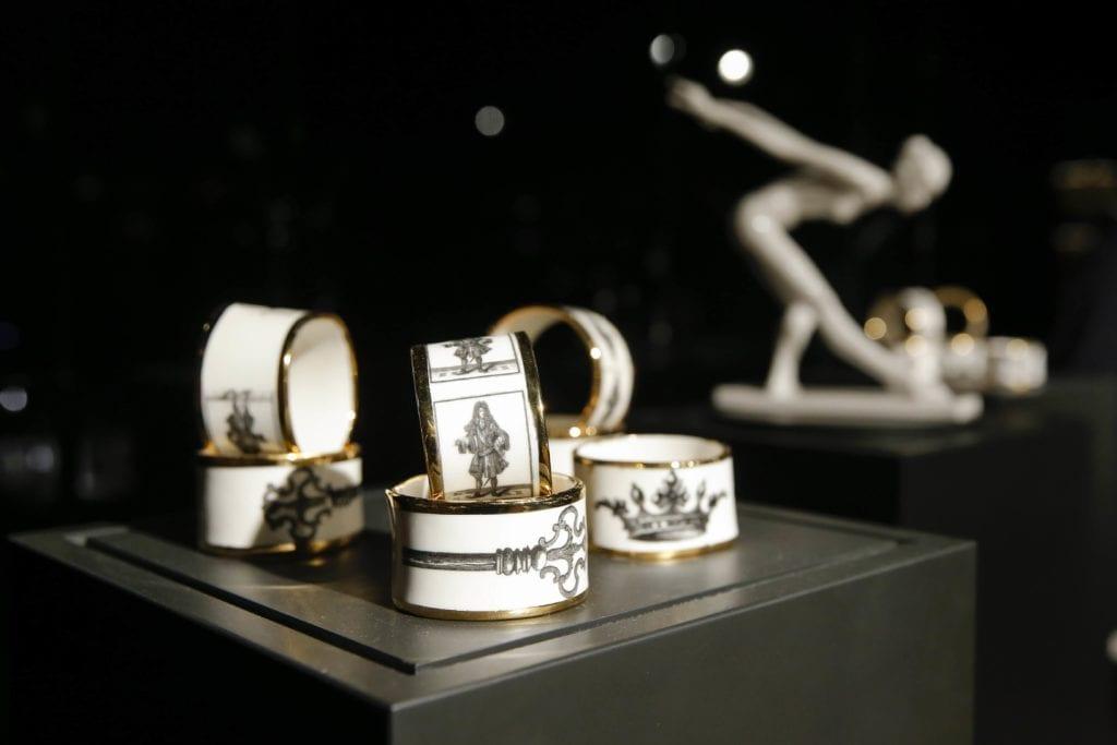 ceramika-biała-ręcznie-robiona-inspiracje