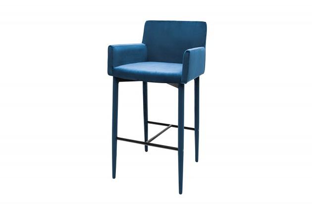 kolor-roku-pantone-classic-blue-niebieski-hokker-barowy