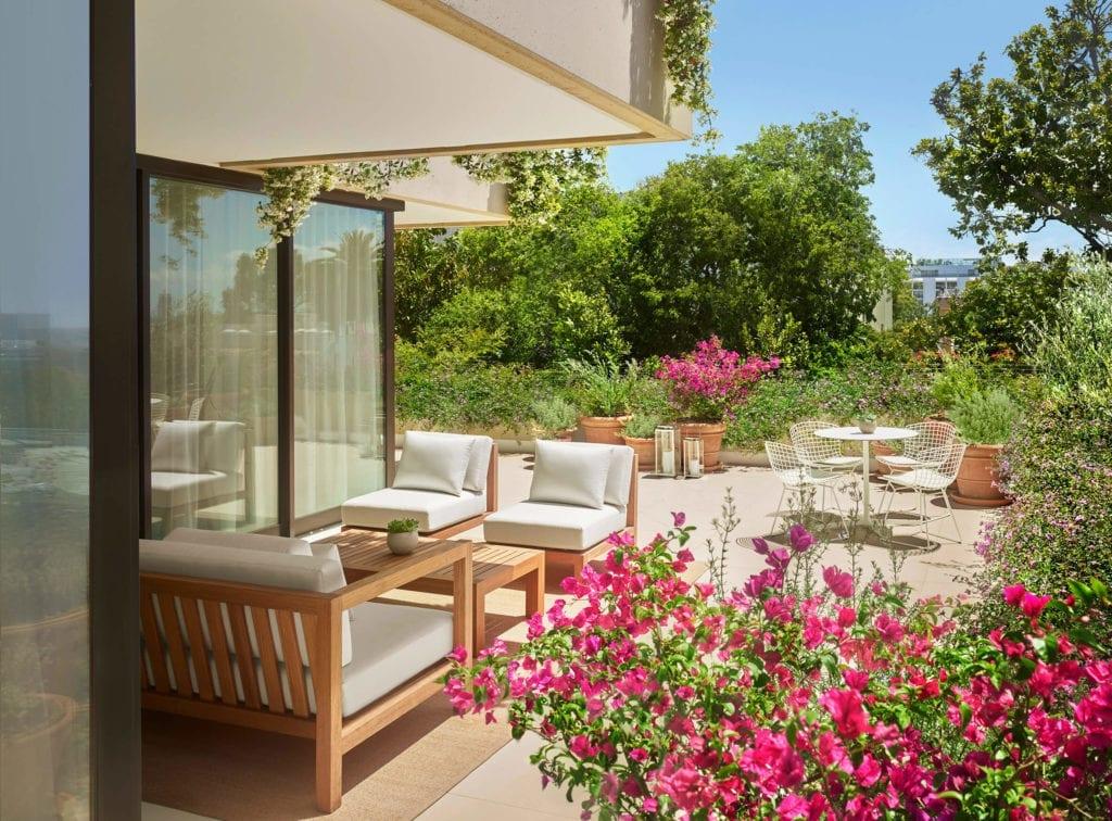 luksusowy -hotel-kalifornia-los-angeles-inapiracje-taras-ogród-apartament
