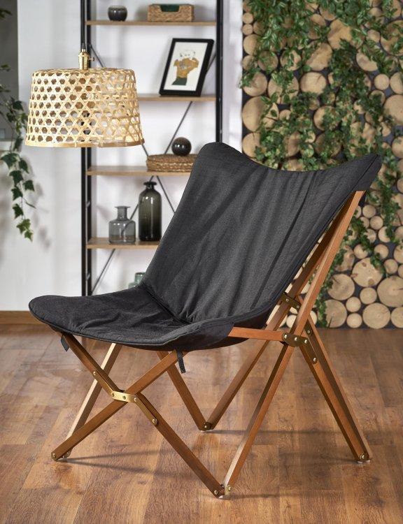 rozkładany-fotel-do-salonu-drewnaine-nóżki-czarny-inspiracje
