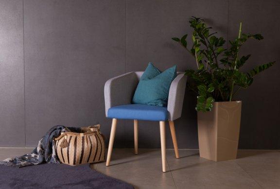 kolorowy fotel-rośliny-przytulny-salon