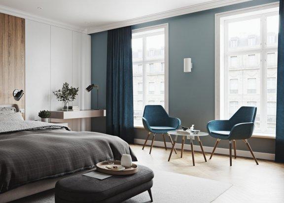 Fotel-Fan-Profim-inspiracje-do-salonu-sypialnia-zasłony-niebieskie-wnętrrze
