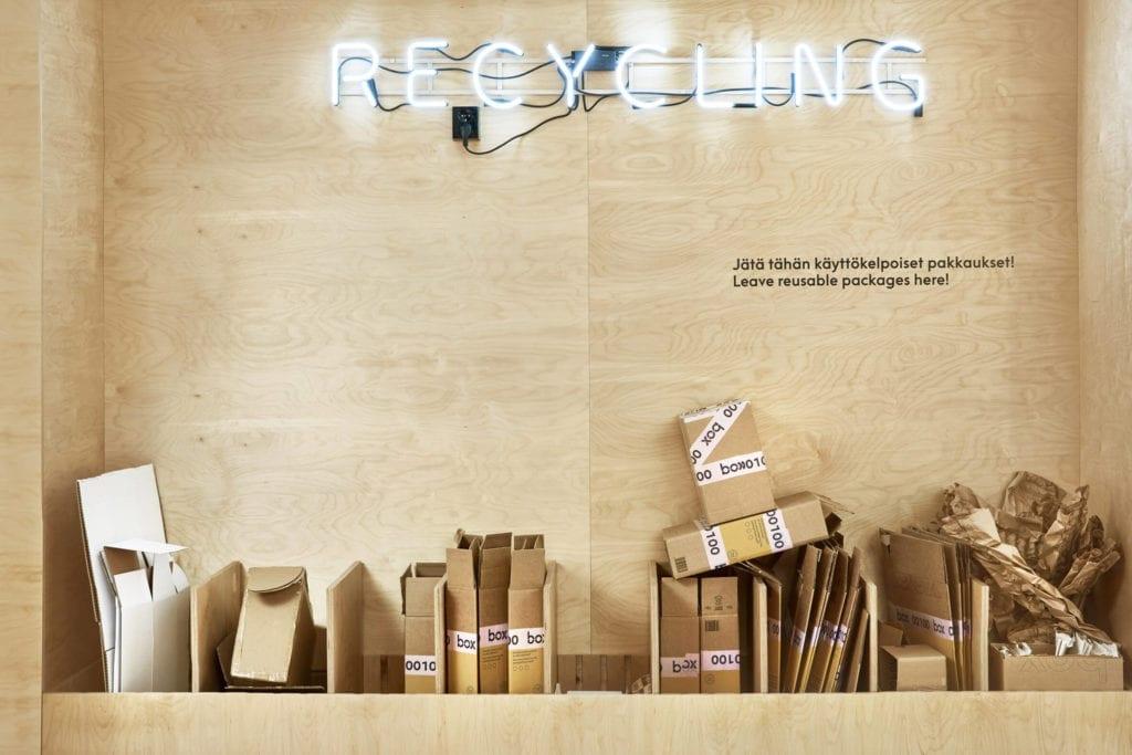 recykling-kartonów-inspiracje-neon-sklejka