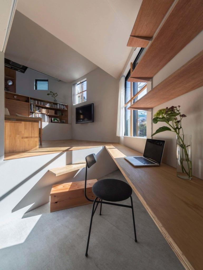 biurko-dom-16-poziomowy-tato-architects