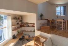 biuro-we-wnętrzu-tato-architects-inspiracje-drewniana-podłoga