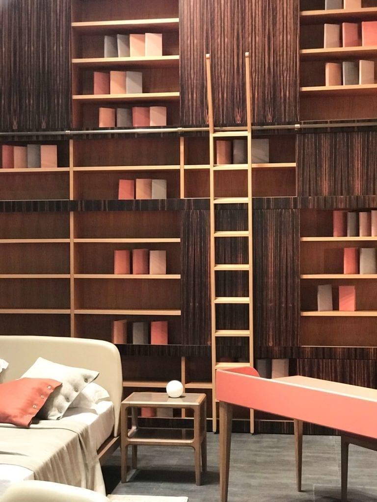 OLIVIERI -meblościanka-na-książki-inspiracje-wnętrza-moda-xx-wieku-kanapa-biurko=sofa-drabina