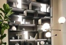 Shake-Design-meblościanka-moda-xx-wieku-inspiracje-lampa-wisząca-salone-del-mobile-krzesło-stół