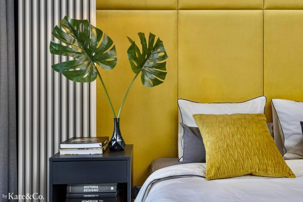monstera żółte panele tapicerowane