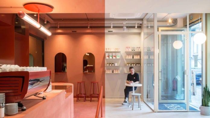 dwukolorowa-kawiarnia-inspiracje-kolor-terakotowy-mleczna-biel