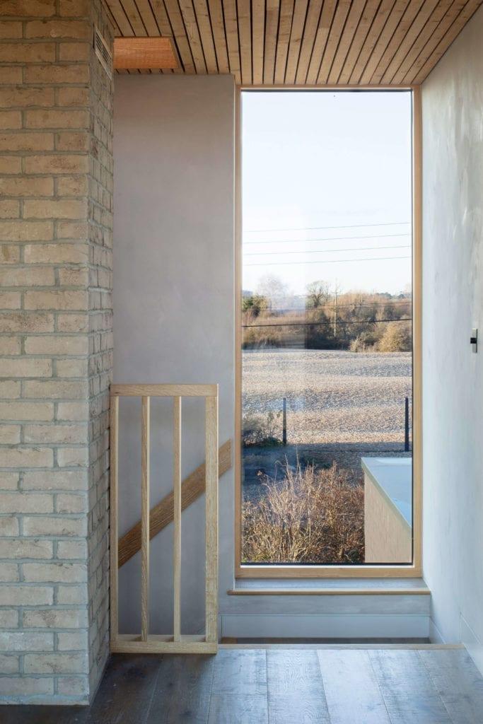 jasne-wnętrze-z-wwidokiem-inspiracje-dom