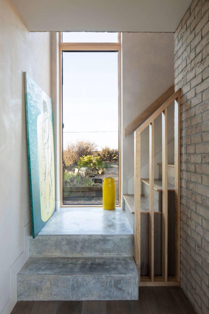 jasne-wnętrze-z-wwidokiem-inspiracje-dom-schody