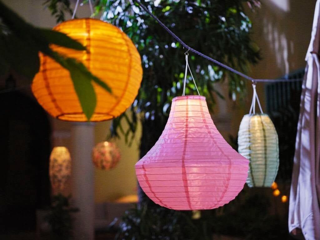 lampy-kolrorowe-wiszące-ikea