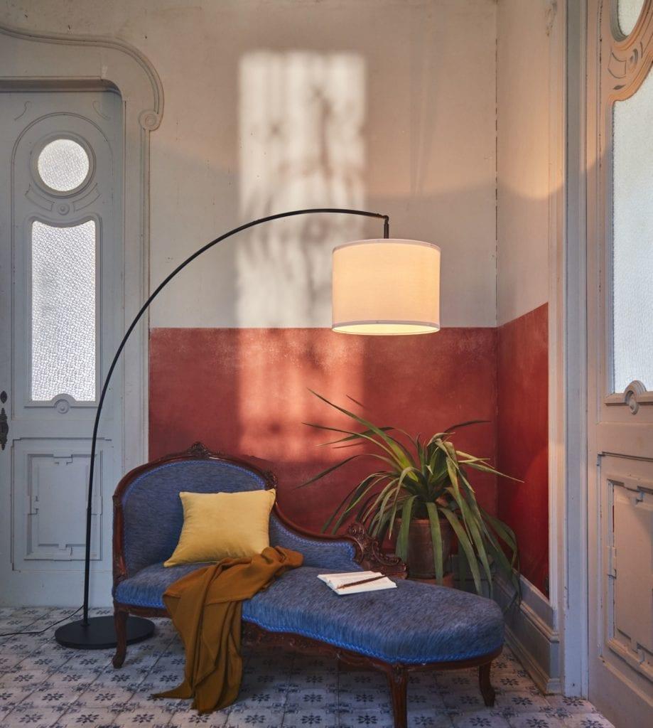 lamperia-nowości-ikea-inspiracje-leżak-lampa-stojąca