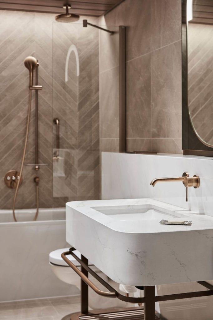 wnętrze-łazienka-umywalka-z-konglomeratu-inspiracje