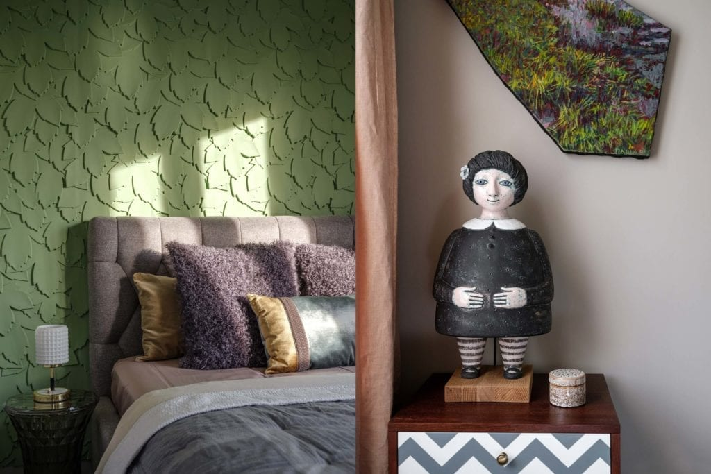 sypialnia-dodatki-inspiracje-łózko-nietypowe-wnętrze