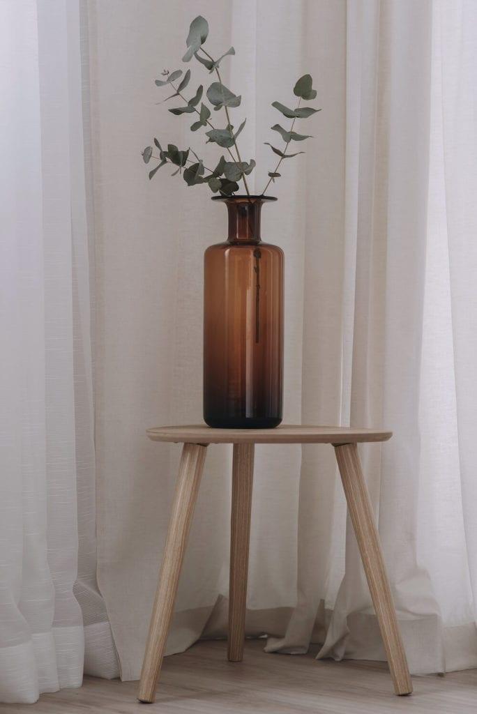 pastelowe-wnętrze-detale-inspiracje-stoli-wazon
