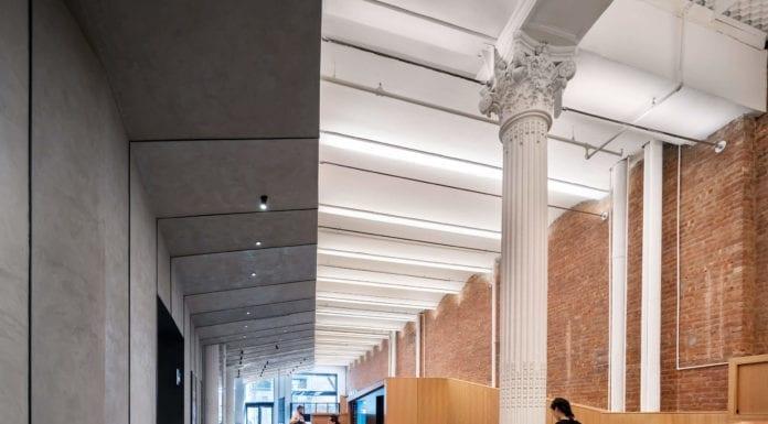 Łączenie-stylów-we-wnętrzu-biel-drewno-inspiracje-muzeum