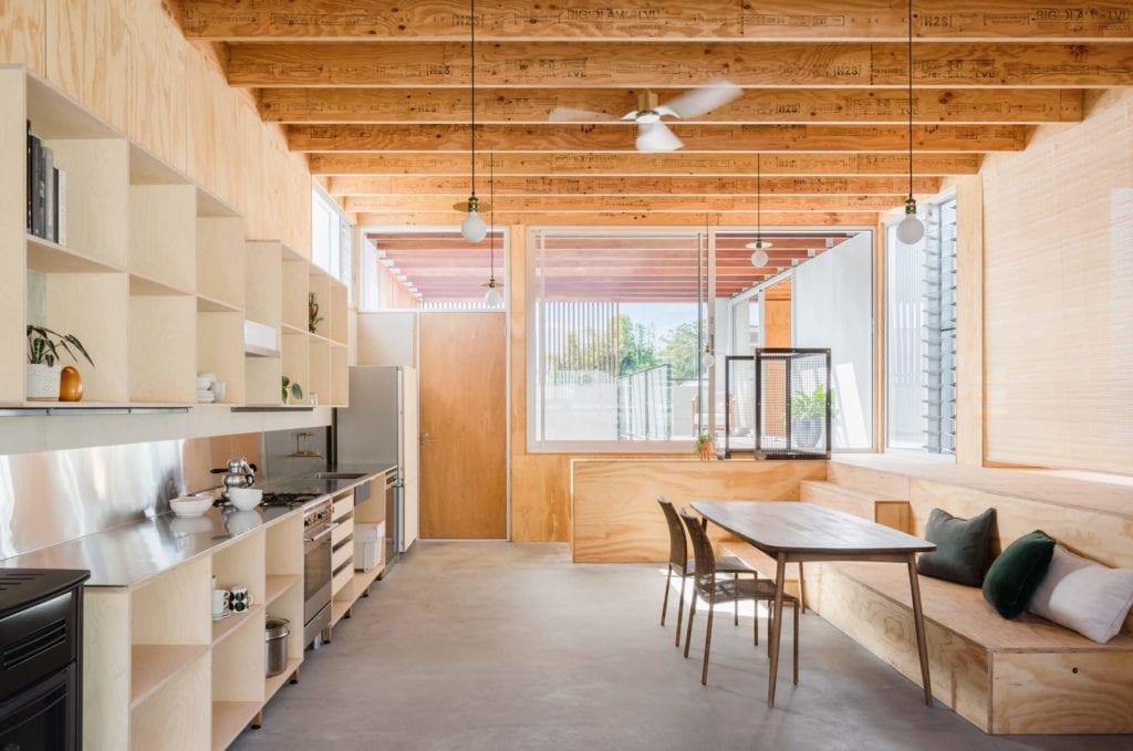 drewniane-wykończenia-wnęrz-salon