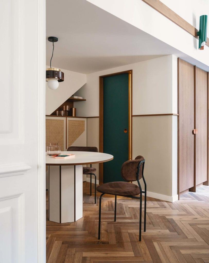 mieszanka-stylów-wnętrze-jadalnia-kuchnia-modernizm-klasyka