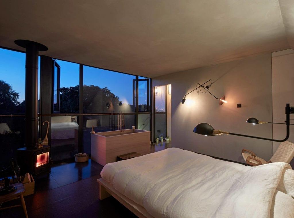 sypialnia-mieszkanie-z-widokiem-strych-poddasze-inspiracje-noc