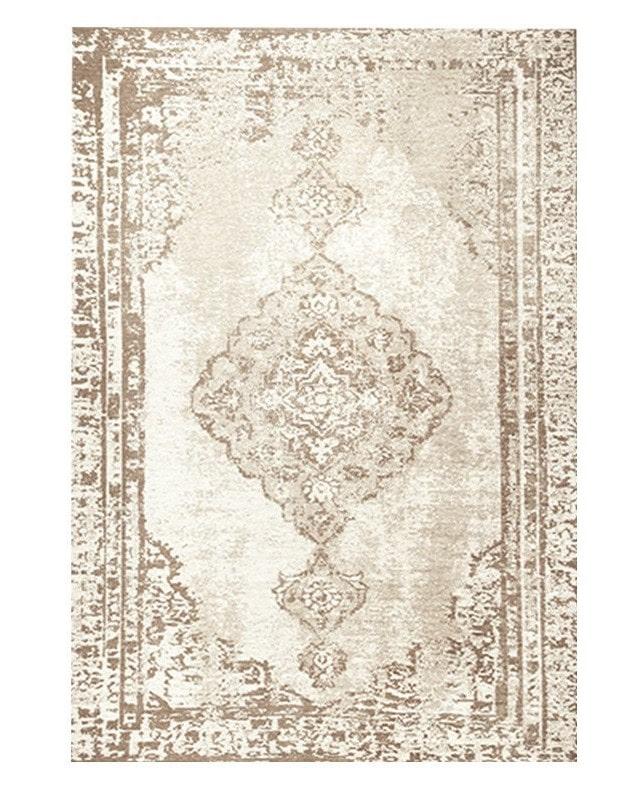 pomysły-na-wnętrze-perski-dywan-kremowy-desenie