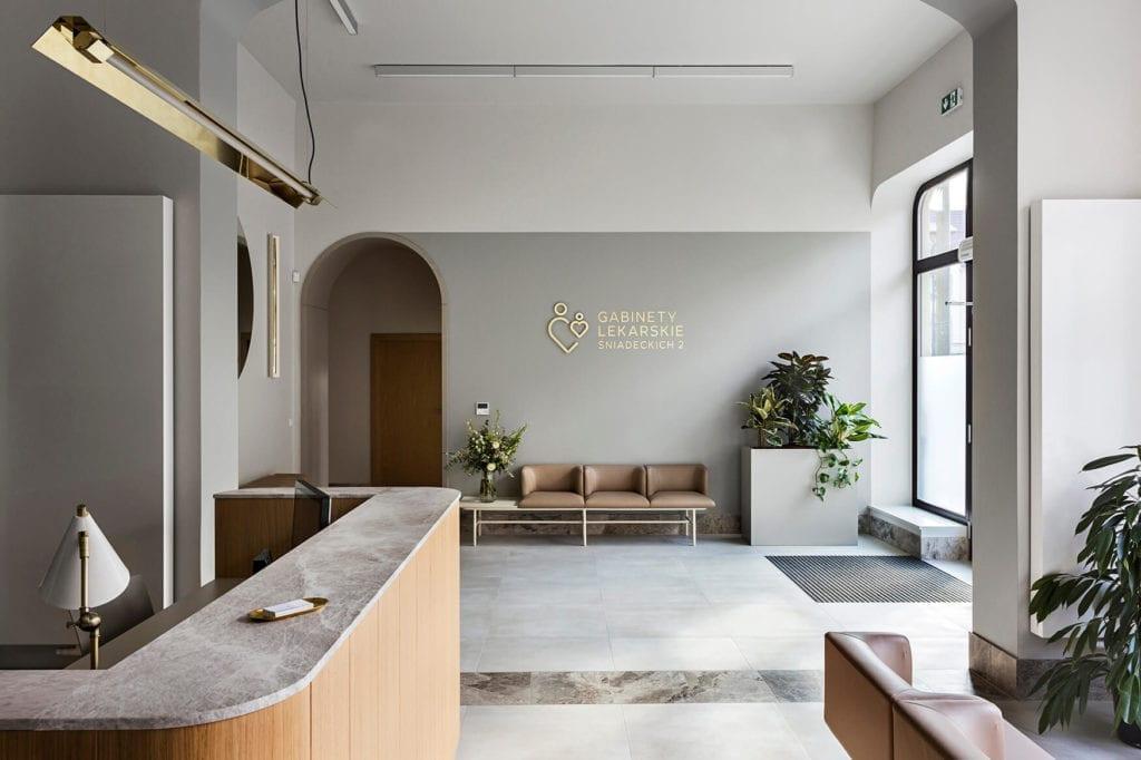 wnętrze-publiczne-poczekalnia-recepcja