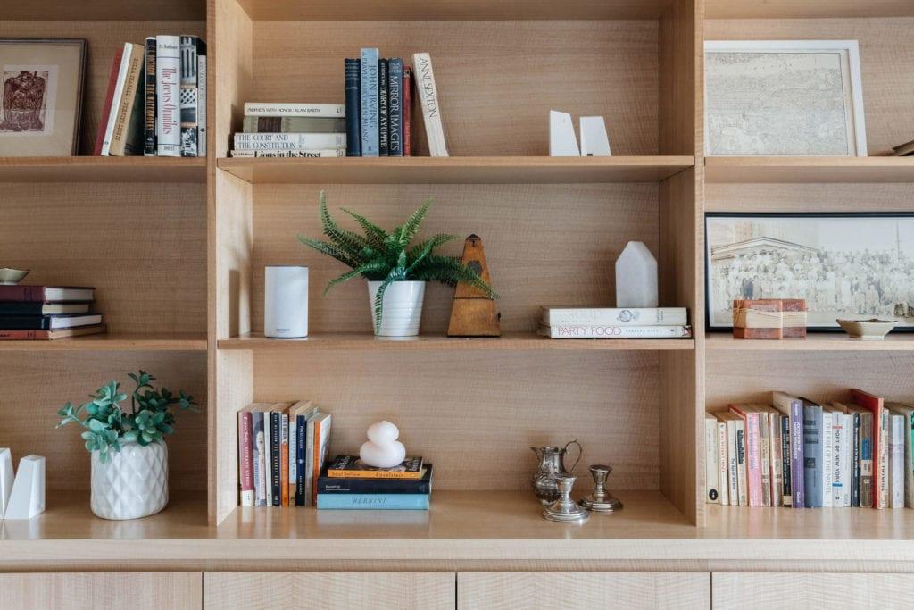 drewno-inspiracje-wnętrze-półki