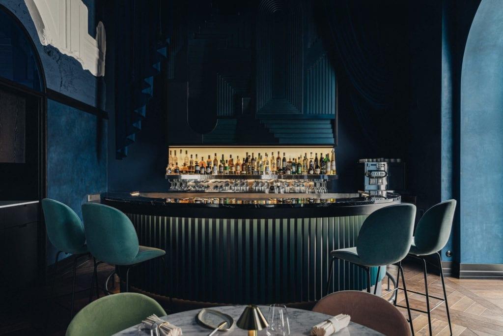 piękne-restauracje-warszawy-epoka-luskus-inspiracje-bar-horer-wystrój