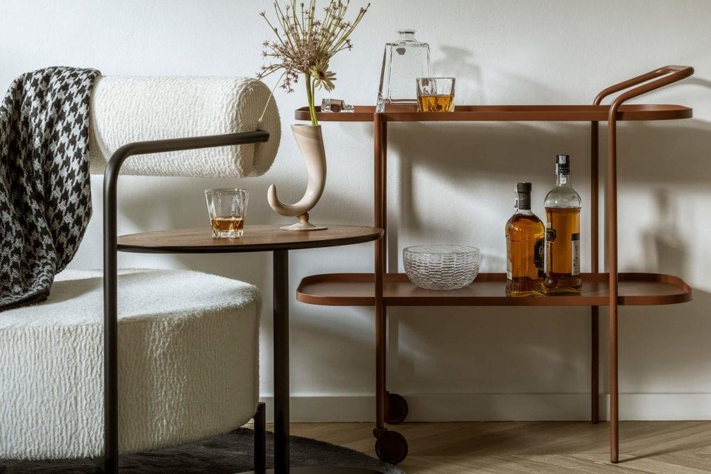 salon-polskie-wnętrza-fotel-stolik