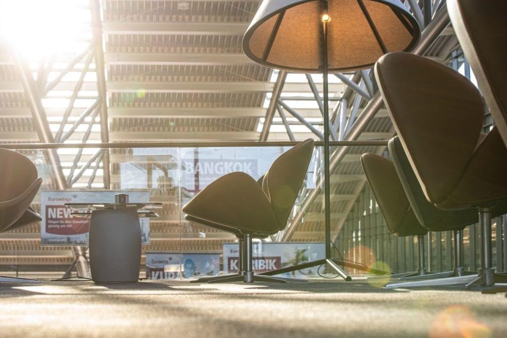 strefa-vip-inspiracje-wnętrze-lotnisko-fotel-skóra-boconcept-