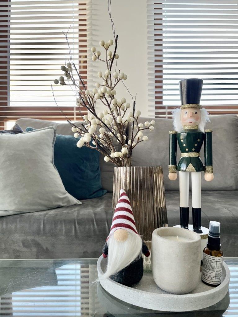 Jak-ozdobić-mieszkanie-na-Święta-krasnal-dziadek-do-orzechów