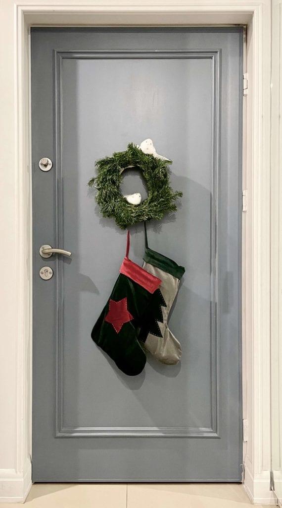 Jak ozdobić mieszkanie na Święta - wianek na drzwi