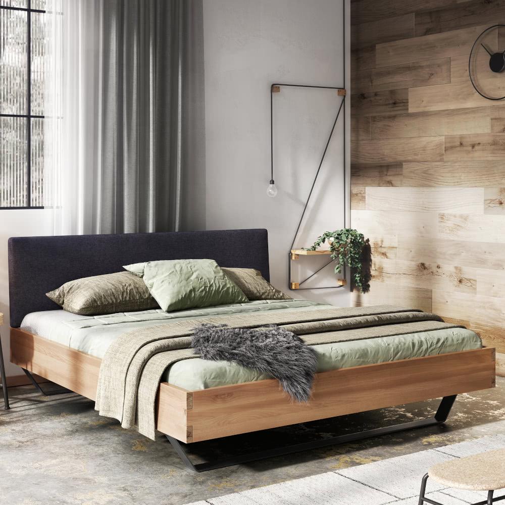 Łóżko_drewniane_sypialnia