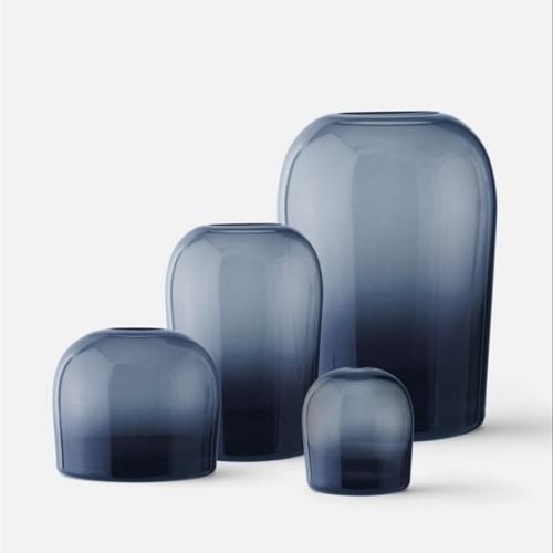 Ozdobne wazony minimalistyczne z granatowego szkła