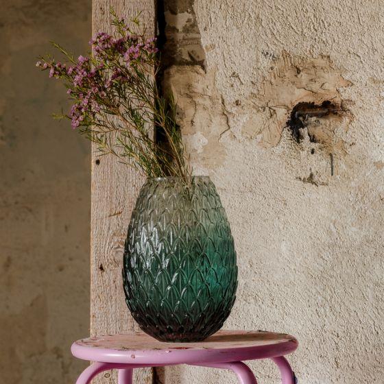 Wnętrza w stylu slow dla miłośników natury - wazon na kwiaty